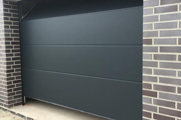 ConDoor Garagen-Sektionaltor ISO40 Typ Design-Line Antra 3000 x 2200 mm RAL 7016 anthrazitgrau