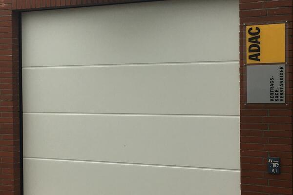 ConDoor ohne Sicke woodgrain RAL 9016 verkehrsweiß