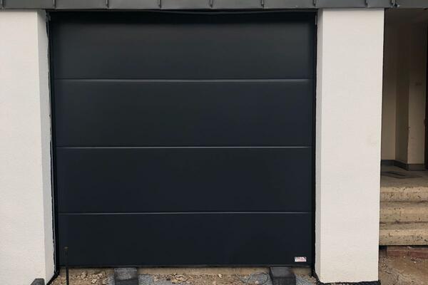 ConDoor Garagen-Sektionaltor ISO40 ohne Sicke glatt RAL 7016 anthrazitgrau 2380 x 2350 mm