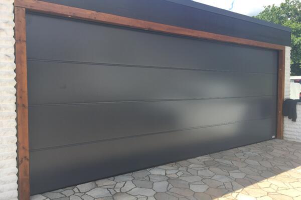 ConDoor Garagen-Sektionaltor ISO40 ohne Sicke glatt RAL 7015 schiefergrau 5365 x 2040 mm