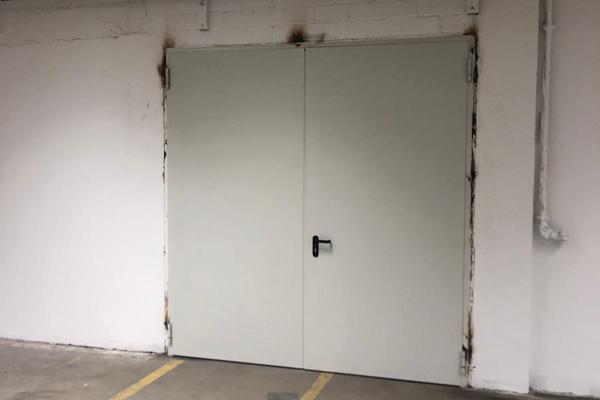 Teckentrup Stahltür DW 62-2 2390 x 2525 mm verzinkt und grundiert, Gehflügel rechts